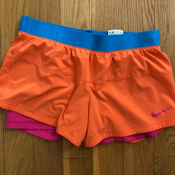 374e17eed72d NIKE ICON WOVEN 2 IN 1 ATHLETIC RUNNING SHORTS M. M 5ae5f7c63a112e70e486433b